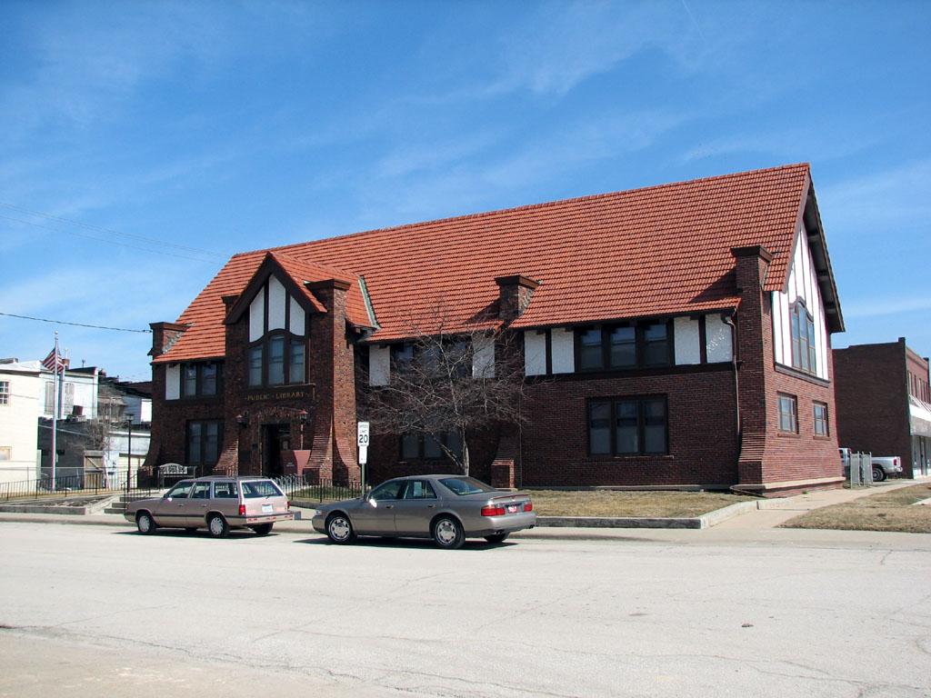 oak hall senior personals Craigslist royal oak mi , find apts, homes for sale, jobs, furniture and all other used items.
